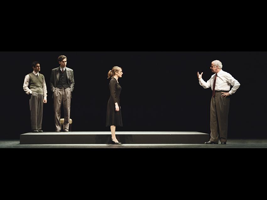 Elvira. Dopo Strelher rivive la passione teatrale di Luois Jouvet con Toni Servillo Book Cover